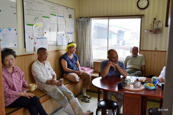 左から斉藤百合子、中原庄司、小川充、逢澤英剛、亀山剛