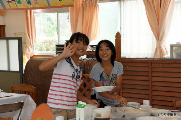 5.6年生女子は食事準備を任せてもらいました。