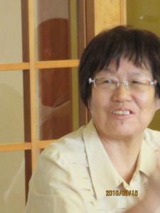 奥谷紀美子  75歳 生活館周りの植木、花の手入れに精出してます