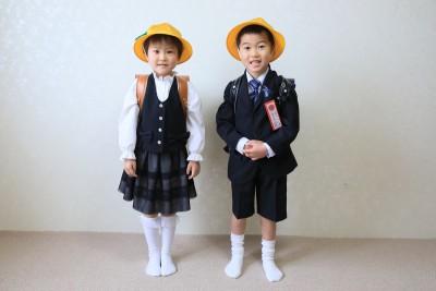 別海実顕地  2人が小学一年に入学しました。