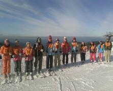 全国実顕地の小・中学生スキー合宿