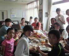 モンゴルから楽園村に参加する子ども達