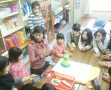 韓国のテミちゃん子ども達と遊ぶ